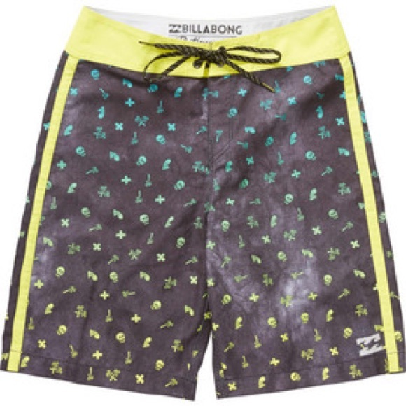 98b9401caad48 EUC billabong skull print 3T swim trunks—so cute!